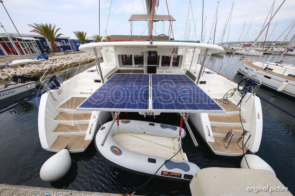 Charming Alexandra Lagoon 450 F