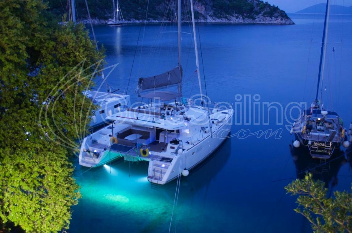 Iris IV Lagoon 450